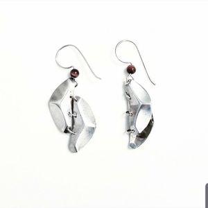 💟 2/$10 + 3/$15 ● silver geometric bead earrings